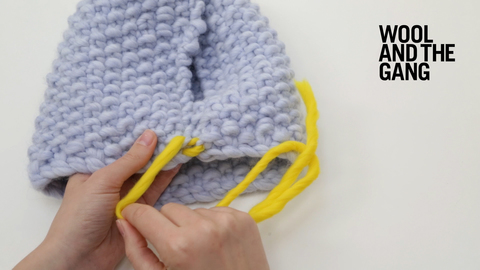 Invisible vertical seam in moss stitch | Knitting | WOOL AND