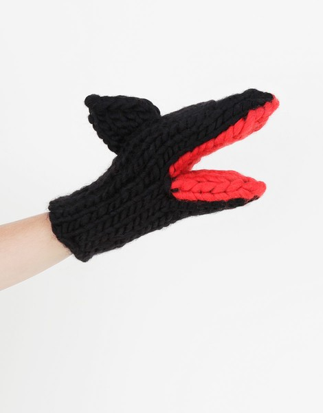 01 bruce knit mitts spaceblack lipstickred